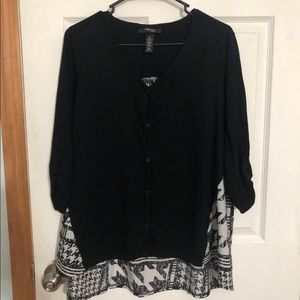 3/4 sleeve black and grey blouse